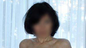Brune torride pour du sexe libertin à Paris