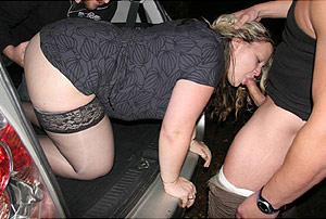 Fellation sur un parking, dans le coffre de la voiture